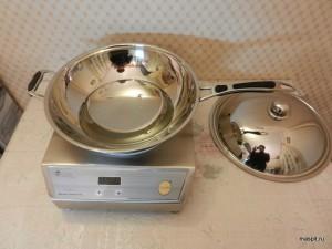 Плита и сковорода вок